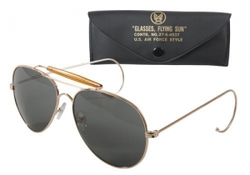 Очки пилота Aviator Sunglasses w/ Case - Gold Frame & Smoke Lenses